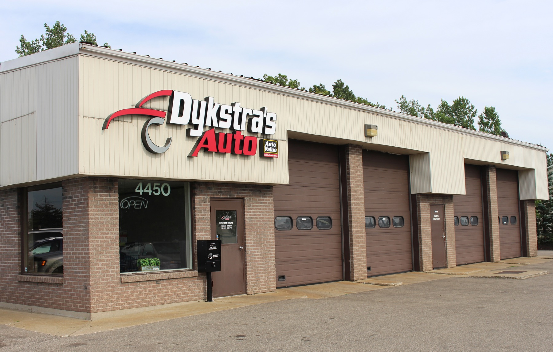 dykstras auto kentwood building
